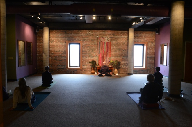 The studio at alleyCat just before Ken's 5:30 class on Thursday evening. A more peaceful place I cannot imagine.